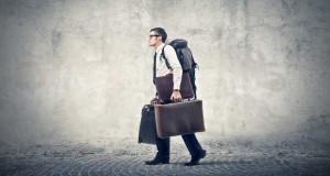 Homme-d-affaire-avec-valise